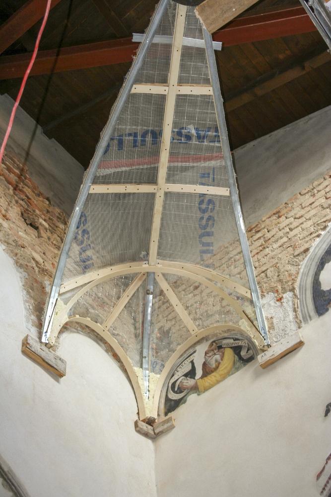 Particolare della struttura della volta dell'ex sagrestia della Chiesa di San Giulio a Cassano Magnago, Varese.