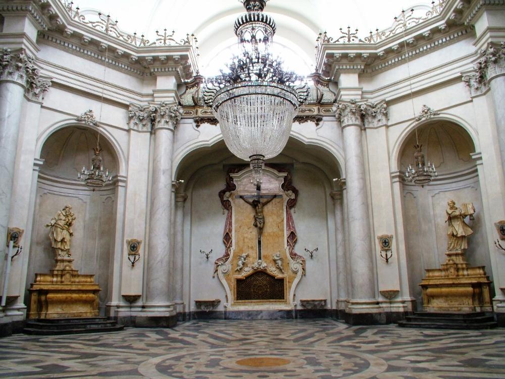Interno della Chiesa di Sant'Agata alla Badia, Catania  restaurato dallo studio Ellenia+Tre