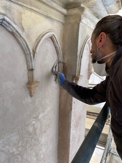 Impresa F.lli Ranghetti - Rifacimento dell'intonaco in facciata del Santuario della Madonna di Lourdes a Palazzolo sull'Oglio (Bs)